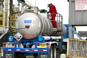 kci-trucking-truck-gulf-south-transporting-bulk-liquid-and-hazardous-chemicals